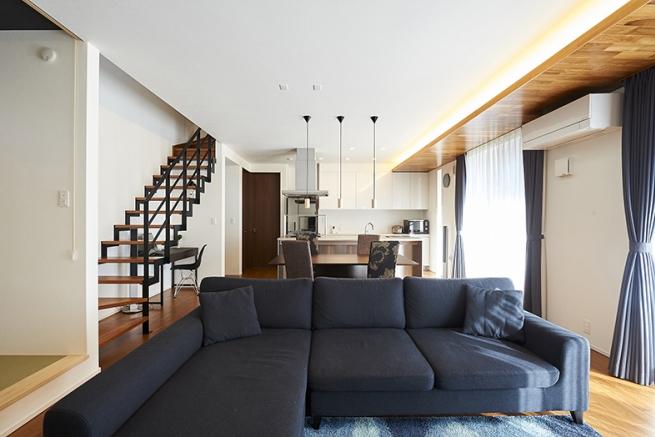 家具の色合いも空間にマッチしていますね!